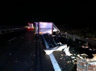 Grav accident pe A1. Șoferul unui tir a decedat